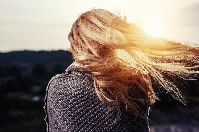 Hydratation quotidienne des cheveux